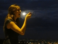 forced-perspective-mendoza-moon